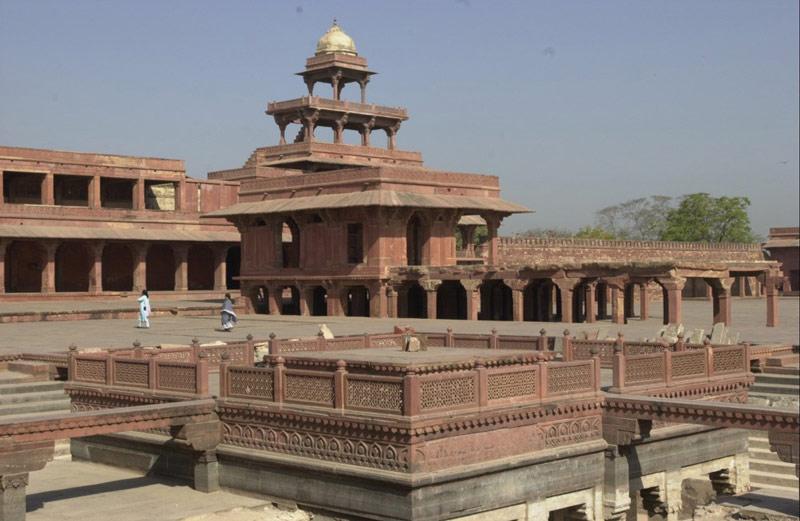 Đây là một trong những ví dụ điển hình về kiến trúc Mughal có chất lượng cao.