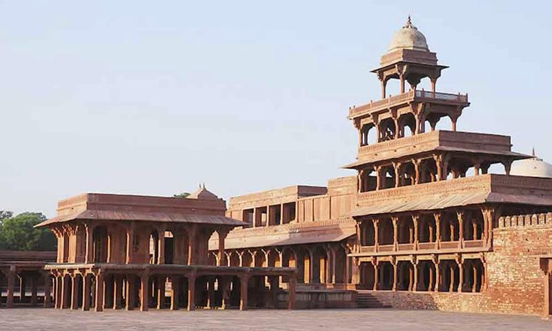Chính kiến trúc xây dựng này đã tạo nên sự ổn định và an ninh đặc biệt cho tòa thành.