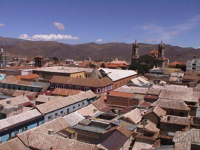 Khu vực trung tâm thành phố với những công trình cổ được xây dựng từ thế kỷ 16,17 còn lại cho đến nay