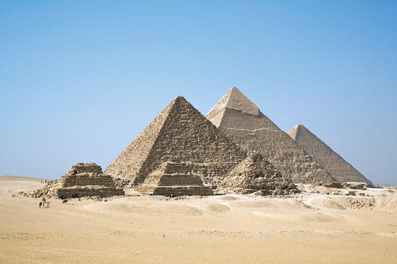 Giza một kỳ công đáng kinh ngạc của kỹ thuật trong thời đại bấy giờ, mà công trình này còn nằm ở giao lộ của các đường vĩ độ và kinh độ dài nhất. Có phải những người xây dựng các kim tự tháp đã biết trái đất hình tròn và kích thước của nó?