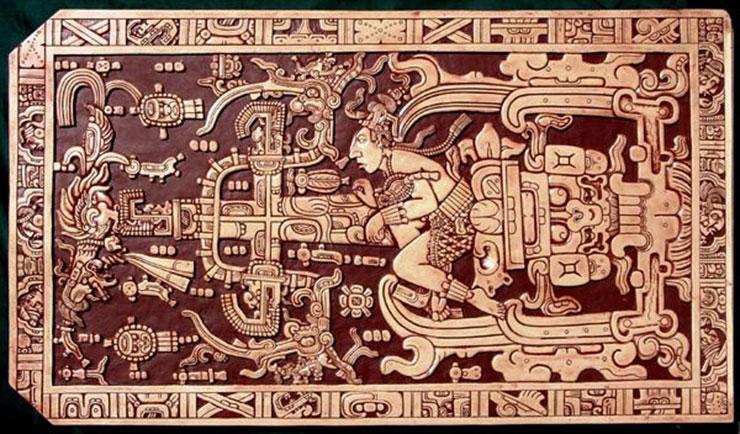 Quan tài của Pacal được chạm khắc cực kỳ cầu kỳ của ông đã trở thành một tác phẩm nghệ thuật kinh điển của người Maya và cũng là chứng cứ ủng hộ lý thuyết về người ngoài hành tinh cổ xưa. Theo quan điểm của họ, Pacal được vẽ lại lúc ông ở trong tàu vũ trụ đang cất cánh. Ông với tay lên bảng điều khiển, chân trên bàn đạp và thở bằng ống oxy.