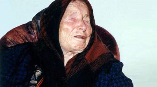 Vanga làm bạn với bóng tối từ đó và đưa ra lời tiên tri đầu tiên vào năm bà 16 tuổi.
