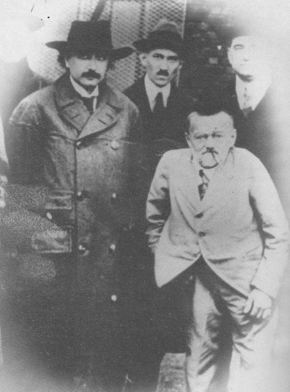 Tesla và Einstein (1920).