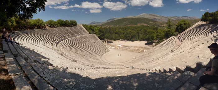 Nhà hát Epidaurus – nhà hát được coi là kiệt tác kiến trúc của Hy Lạp cổ đại.