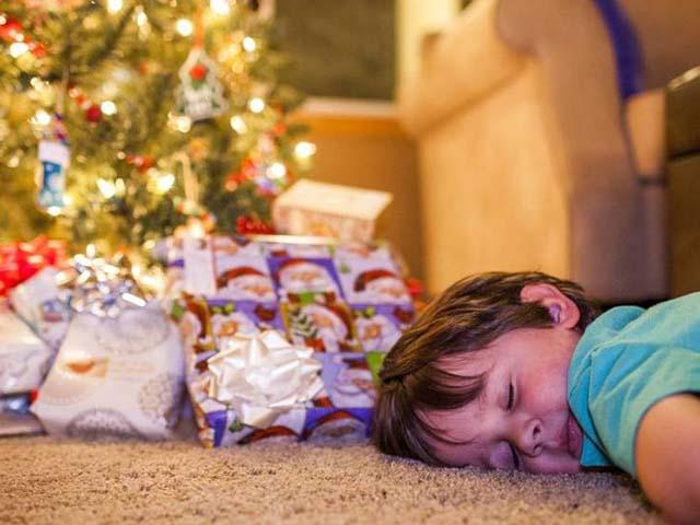 Người Phần Lan tin rằng, vào đêm Noel, giường trong nhà sẽ được dành cho người chết nên họ chọn cách ngủ trên sàn nhà.
