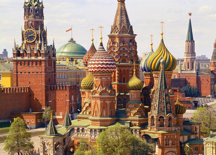 Nhắc đến nước Nga là nhắc đến điện Kremlin và cũng từ lâu cung điện này đã trở thành biểu tượng của nước Nga, là niềm tự hào của người dân Nga.