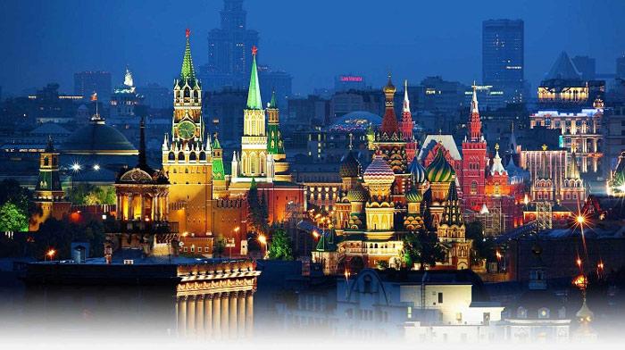 Điện Kremlin là tổ hợp pháo đài lịch sử nhìn ra Quảng trường Đỏ gồm cung điện Kremlin, nhà thờ Kremlin, tường thành Kremlin và tháp Kremlin.