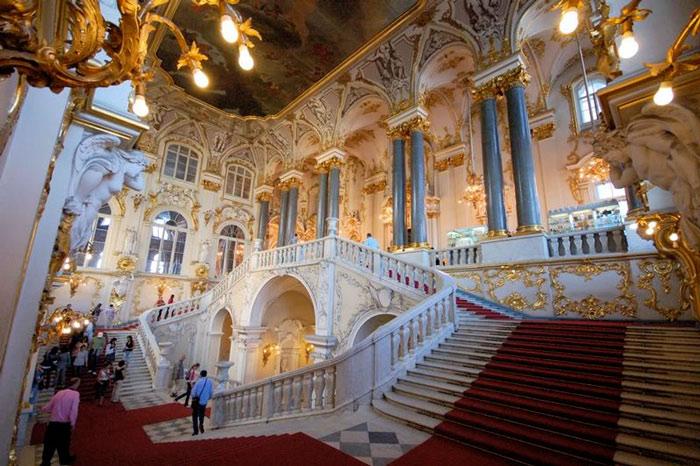 Ngày nay, cung điện đã trở thành viện bảo tàng lớn nhất nước Nga – Viện bảo tàng Hermitage.