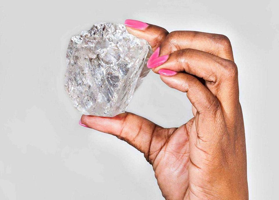Viên kim cương lớn thứ 2 trên thế giới từng được tìm thấy trong 100 năm qua.