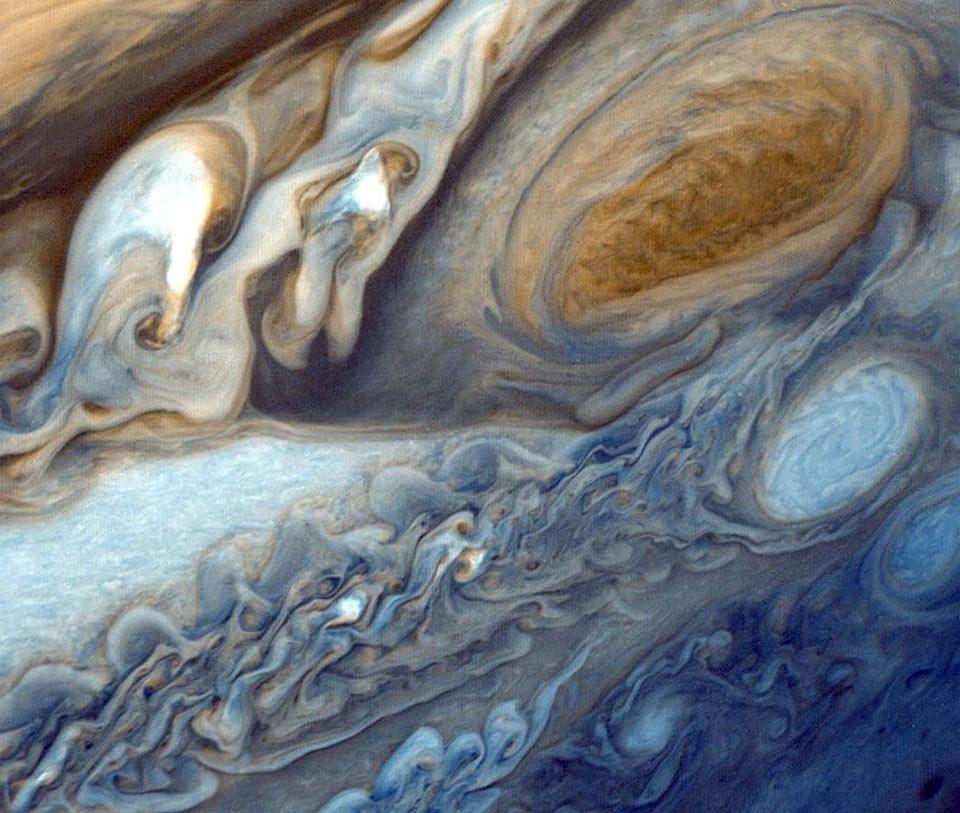 Một cơn bão rộng gấp đôi so với Trái Đất, bao phủ bầu trời sao Mộc trong ít nhất là 150 năm qua