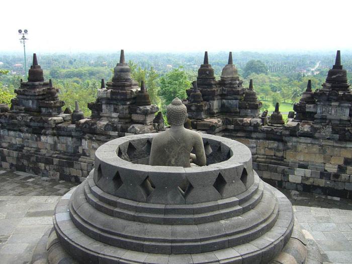 Tổ chức Khoa học, Giáo dục và Văn hóa của Liên hiệp quốc đã công nhận Quần thể đền tháp Borobudur của Indonesia là Di sản văn hóa thế giới năm 1991.