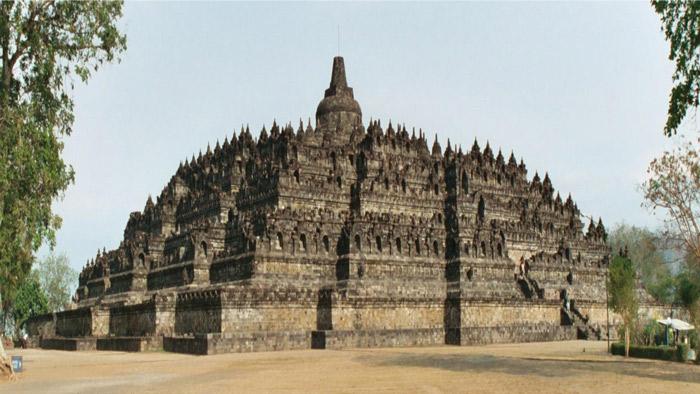 Đền Borobudur được xây dựng dưới vương triều Sailendra.