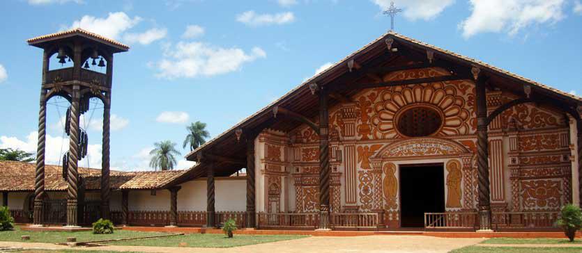 Khu truyền giáo của dòng Tên ở Chiquitos nằm tại vùng Santa Cruz thuộc miền đông của Bolivia.