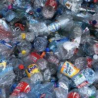 Các nhà khoa học tìm ra loại nhựa tái sử dụng đầu tiên trên thế giới