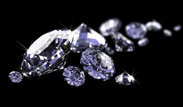 Việc định giá những viên đá hiếm và có kích thước lớn là một việc làm vô cùng phức tạp.