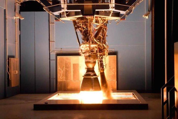SpaceX là một trong số rất ít công ty tư nhân nghiên cứu và chế tạo tên lửa.