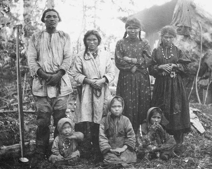 Bức ảnh gia đình người Mansi.