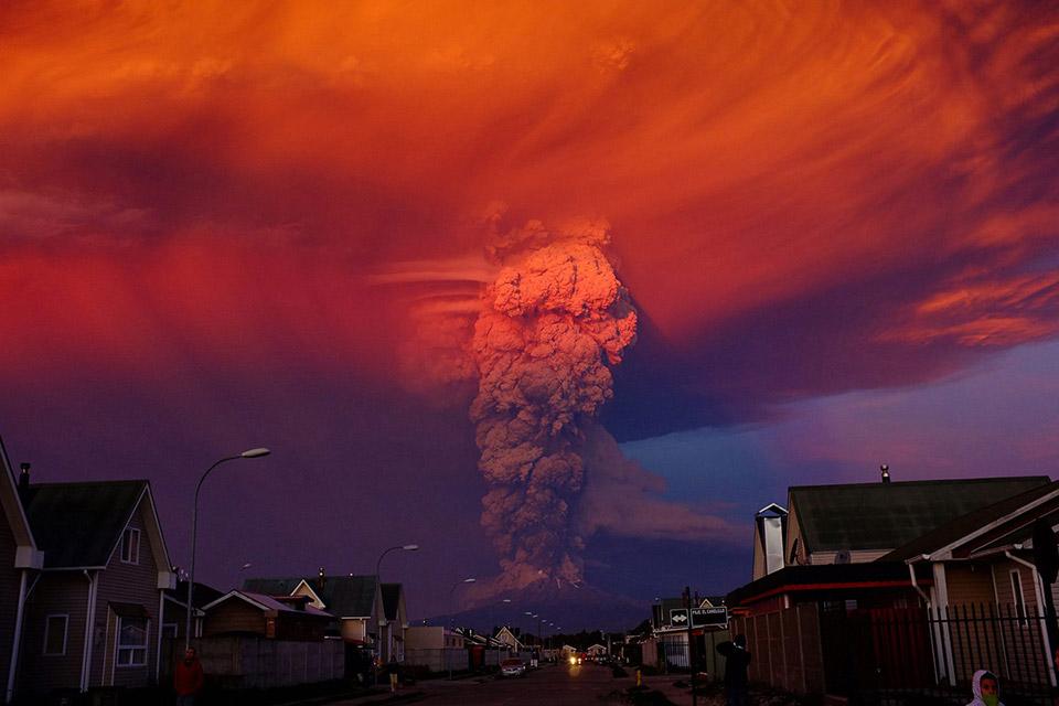 Núi lửa Calbuco phun trào vào ngày 22 tháng 4 năm 2015.