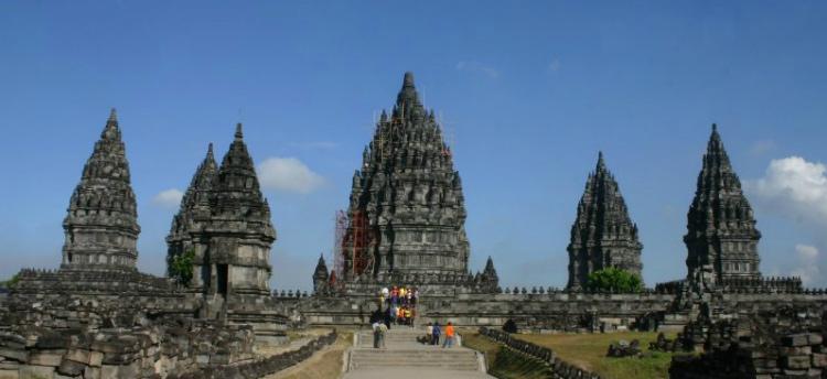 Trận động đất năm 2006 lại làm cho khu đền hư hỏng nghiêm trọng và hiện phải đóng cửa để phục dựng tránh gây nguy hiểm cho khách thăm quan.