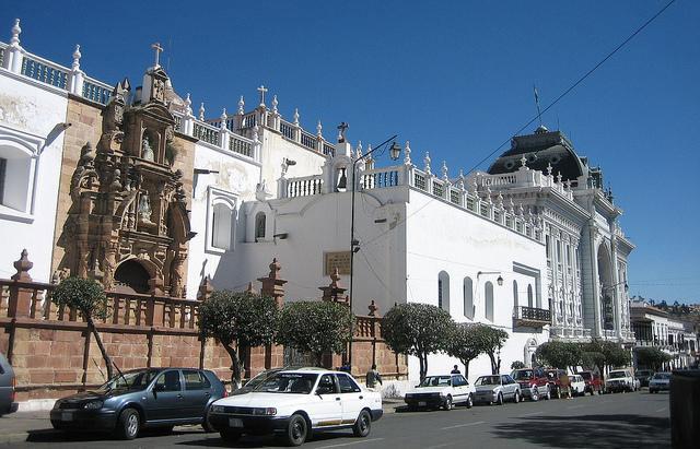 Tại trung tâm lịch sử Sucre hiện còn lại một số công trình quan trọng, trong số đó đặc biệt nhất là Nhà thờ Metropolitan.