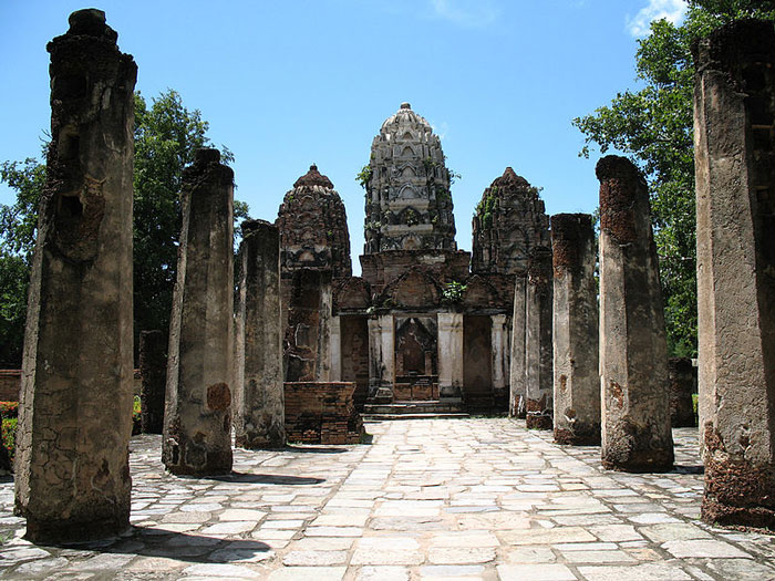 Thành phố cổ Sukhothai là miền đất Phật với nhiều chùa chiền và công trình Phật giáo.