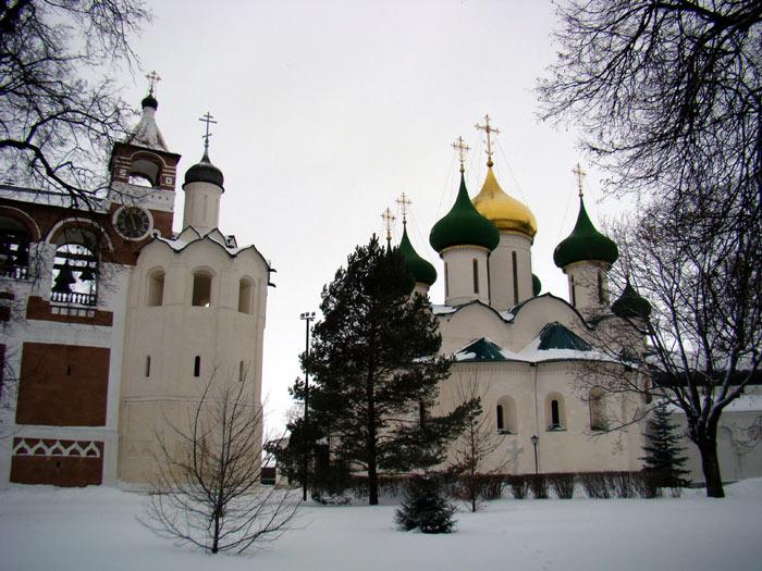 Tại đây cùng với những tòa nhà, những trung tâm thương mại hiện đại là những kiệt tác kiến trúc vốn là niềm từ hào của cả nước Nga.