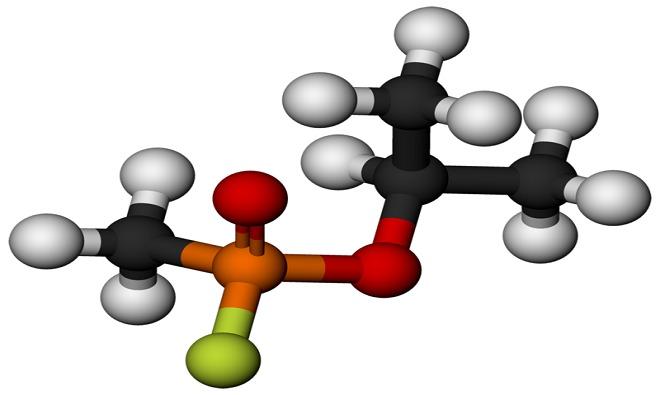 Cấu trúc phân tử dạng 3D của sarin, chất khí độc tác động lên hệ thần kinh, ra đời như một loại thuốc trừ sâu năm 1983.
