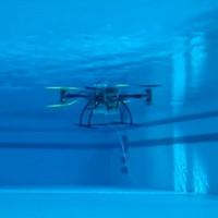 Độc đáo drone vừa biết bay vừa biết... bơi