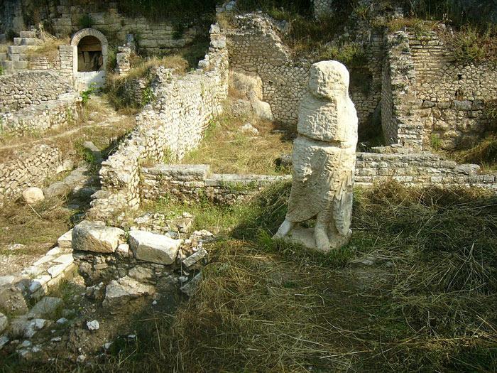 Hiện nay, Butrint đã trở thành 1 điểm du lịch hấp dẫn tại Albania. Khách du lịch quốc tế khi đã tới Albania thường không thể bỏ qua điểm đến lý thú này.