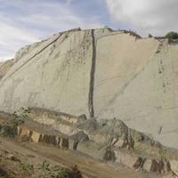 Khám phá vách đá có hơn 5.000 vết chân khủng long cổ đại