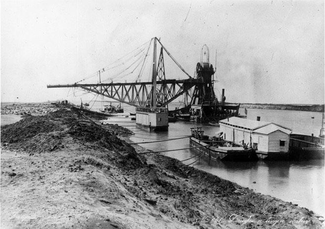 Dự án phải dừng lại sau khi Tổng trấn Ismail Pasha đột ngột cấm việc sử dụng lao động ép buộc vào năm 1863.