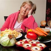 Ăn khi buồn ngủ có thể tổn hại hoạt động não bộ, giảm khả năng ghi nhớ và học tập