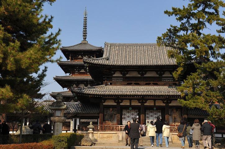Chùa Horyuji được lựa chọn là nơi cử hành các nghi lễ lớn và là ngôi chùa thường xuyên diễn ra các sự nhất nhiều nhất tại Nhật Bản.
