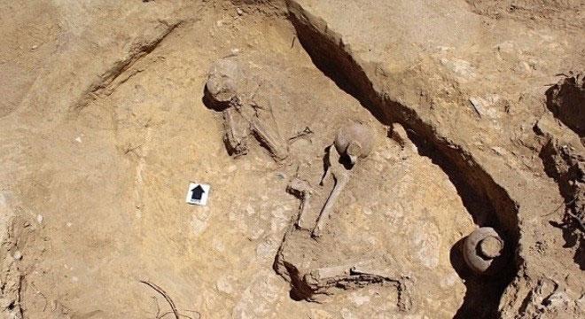 """Các nhà khảo cổ người Anh đã phát hiện ra khu mộ về một người phụ nữ 2.000 năm tuổi được mệnh danh là """"Công chúa ngủ trong rừng""""."""