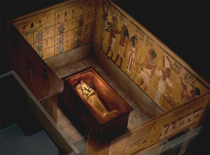 Trong mộ vua Tutankhamun có một căn phòng bí mật, nhiều khả năng là nơi yên nghỉ của nữ hoàng Ai Cập Nefertiti.