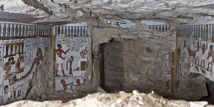 Lăng mộ này được cho là nơi an nghỉ của Amenhotep - nhà quý tộc canh giữ đền thờ vị thần cổ đại Amun, thuộc thời kỳ New Kingdom, Vương triều Ai Cập thứ 18.