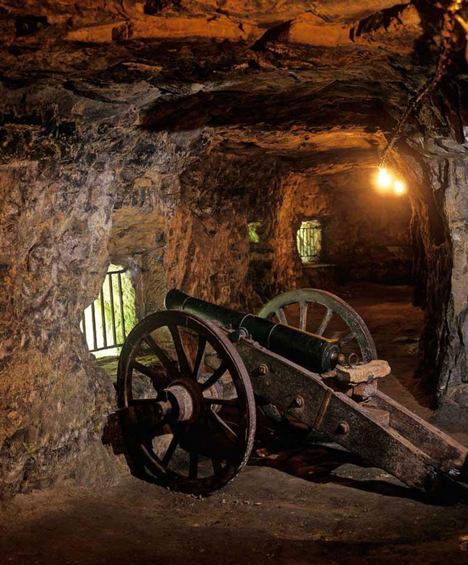 Năm 2008-2009, hầm được sửa chữa lại và mở thêm 1 số phòng trưng bày tái hiện lịch sử phục vụ khách thăm quan.
