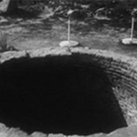 Bí ẩn hố không đáy nuốt được mọi vật bị che giấu hơn 200 năm qua