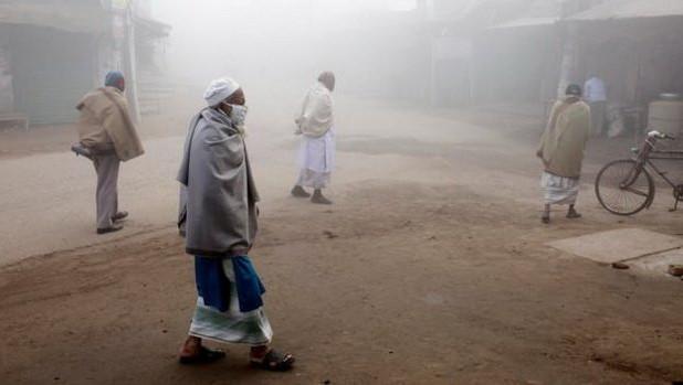 Động đất cũng gây rung lắc ở Bangladesh khiến người dân bỏ chạy ra đường.