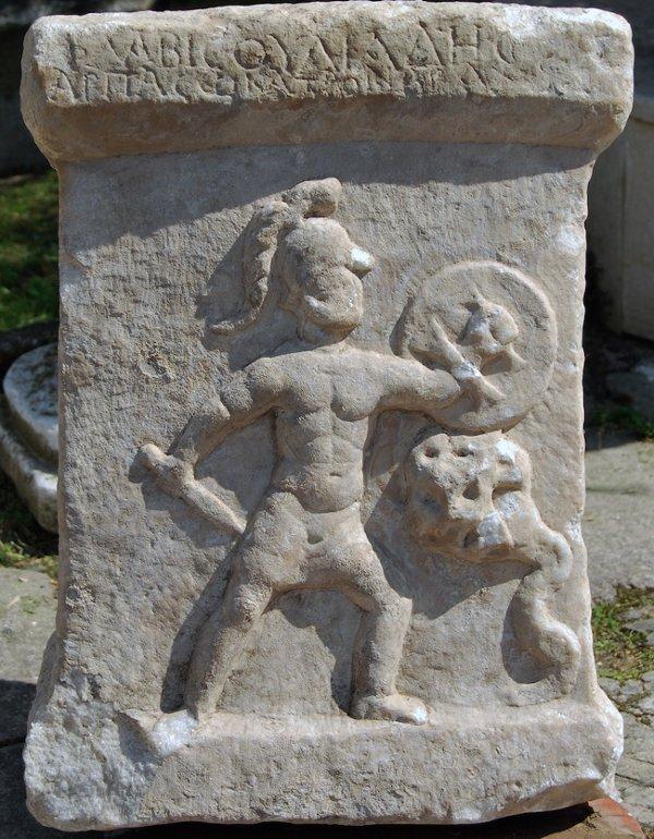 Bia đá phát hiện ở Thổ Nhĩ Kỳ.