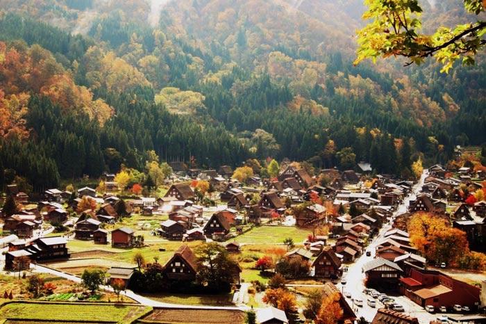 Làng cổ Shirakawa-go và Gokayama được Unesco công nhận là Di sản văn hóa thế giới năm 1995.