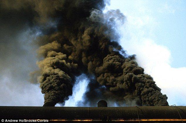 Ảnh mô tả carbon đen ngăn cản ánh nắng Mặt Trời và sẽ gây tử vong cho con người.