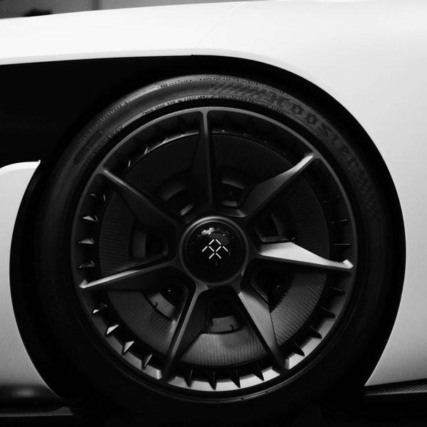 Siêu xe này có thể tăng tốc từ 0-100km chỉ trong 3 giây và tốc độ tối đa là 320km/h.