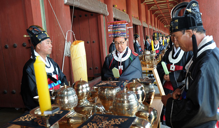 Nghi lễ này là Di sản văn hóa phi vật thể quốc gia của Hàn Quốc.