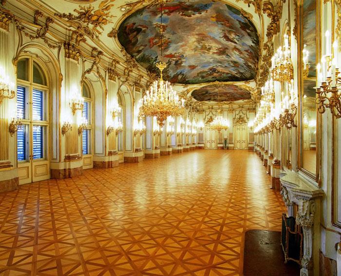 Kiến trúc bên trong của cung điện