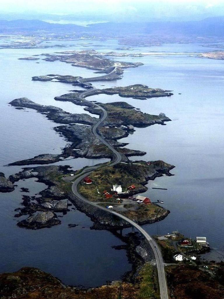 Con đường vươn ra đại dương.