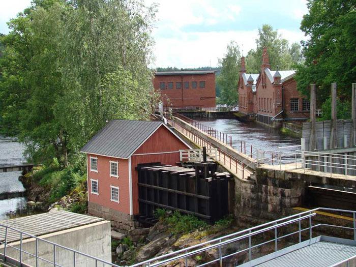 Mặc dù là một nhà máy sản xuất nhưng kiến trúc của Nhà máy xay bột gỗ làm giấy Verla được thiết kế như một nhà thờ.