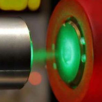 Các nhà khoa học bước đầu chế tạo được dạng kim loại của Hydro