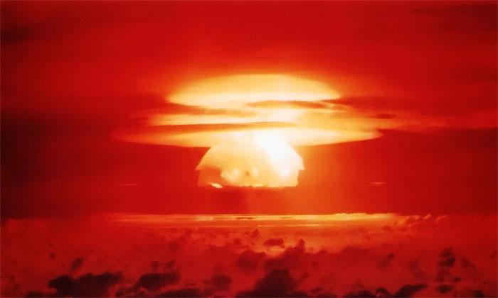 Đám mây phóng xạ hình nấm hình thành sau vụ nổ Castle Bravo.