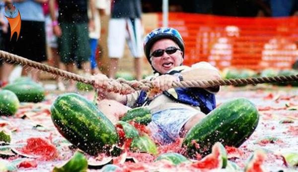 Các hoạt động trong lễ hội dưa hấu rất đa dạng.